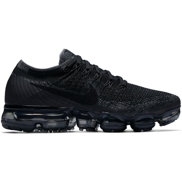 innovative design ee9cb f33eb Nike | Air VaporMax Flyknit Triple Black 2.0
